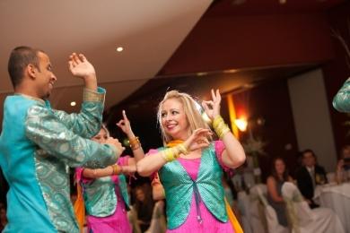 Bhangra9 Bollywood couple dance