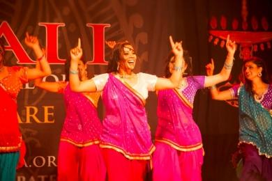 indian dancers for festivals