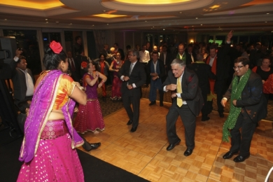 Corporate Wipro Executives show off their Bollywood moves