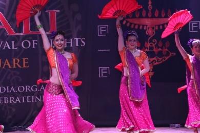 Diw2 Stunning Bollywood dancers at Fed Sq Melbourne