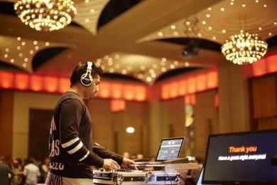We offer Bollywood DJ s for weddings, corporate events and parties