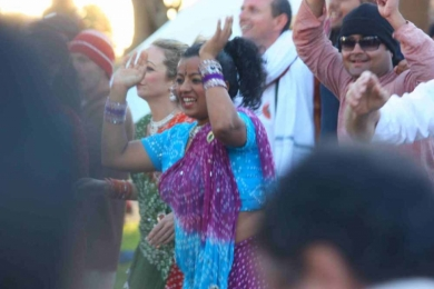 St Kilda Festival Bollywood in the crowd